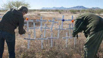 Encuentran restos de 81 personas en el desierto del sur de Arizona