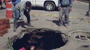 Nuevo socavón se registra… ahora en Ecatepec