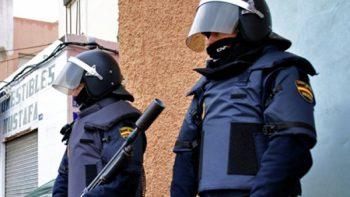 Descartan atentado terrorista tras disparos contra policías en Barcelona