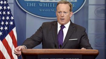 Renuncia Sean Spicer a gabinete de Trump