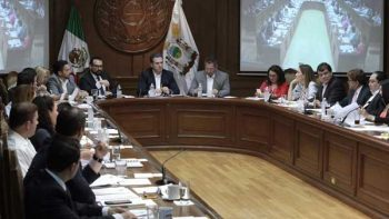Consultará Monterrey permitir Vuelta a la Derecha