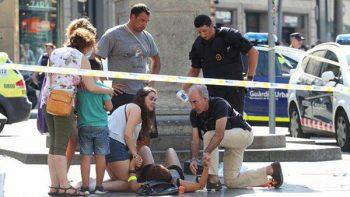 Atropello masivo en Barcelona deja dos muertos y 32 heridos (VIDEOS)
