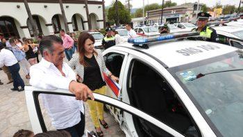 Asiste El Bronco a graduación de policías de Escobedo