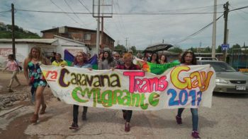 Migrantes centroamericanos de la comunidad LGBTT piden asilo a EU