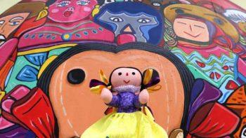 Xhani: la muñeca que enseña otomí