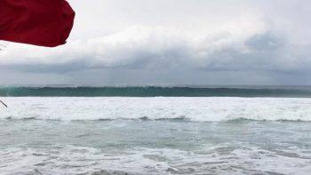 Jóvenes caen al mar en Oaxaca; hallan cadáver de uno