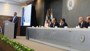 Inaugura Gobernador Centro Universitario contra el Cáncer