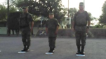 Niño es primer soldado honorario