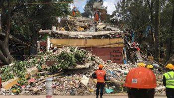 Llegan los rescatistas japoneses a Tlalpan