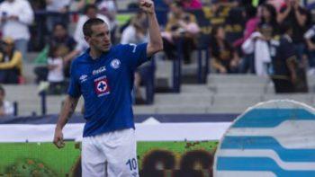 'Chaco' Giménez, ilusionado por renovar con Cruz Azul