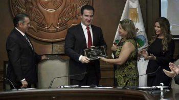 Conmemora Monterrey Centenario de la Constitución local