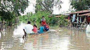 Costa Chica: baja agua pero ayuda no llega