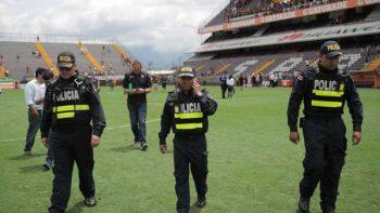 Suspenden partido de futbol en Costa Rica por amenaza de bomba