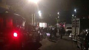 Riña entre policías y vecinos deja 10 detenidos en Santa Úrsula