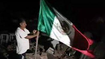 'No supe que me estaban filmando': hombre que puso en pie bandera