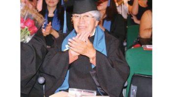 ¡No hay límites! Berta, 2 licenciaturas y una maestría a sus 75 años