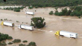 Cierran la autopista Monterrey-Nuevo Laredo por inundaciones