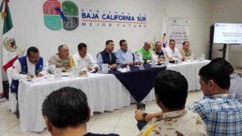 Cierran puertos y suspenden clases en BCS por huracán 'Norma'