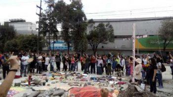 Levantan memorial por trabajadoras de maquiladora en la Obrera
