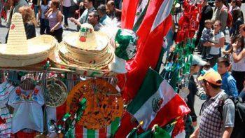 A la baja, venta de productos y adornos para fiestas patrias