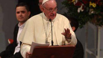 Papa Francisco fustiga la corrupción en Iglesia católica en Colombia