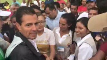 Peña Nieto se sorprende al ver 'güeras' viviendo en Chiapas (VIDEO)