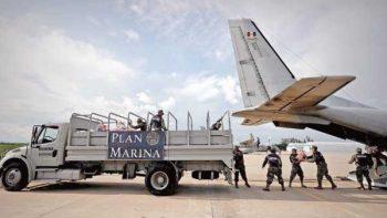 Semar traslada y distribuye víveres a afectados por sismos