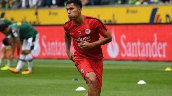 Salcedo juega medio tiempo con Frankfurt