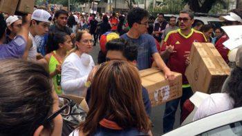 Venezolanos llevan ayuda humanitaria en solidaridad con México