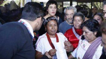 Se arma zafarrancho en el INE por registro de mujer zapatista