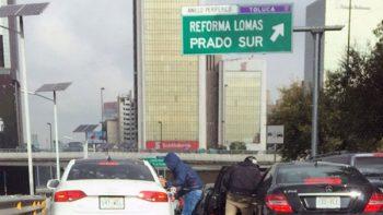 Asaltos en Periférico dejan dos pasajeros baleados; uno era militar