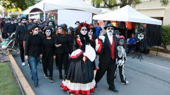 Mil catrinas desfilan en centro de Ciudad Victoria