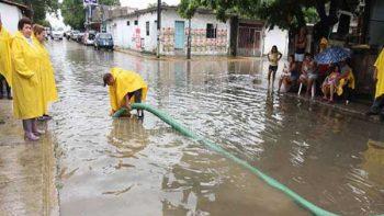 Lluvias dejan dos muertos y 18 mil habitantes afectados