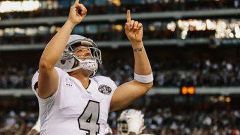 Triunfo al límite de los Raiders