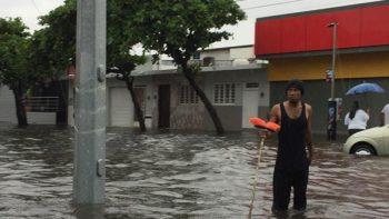 Reportan inundaciones en 5 municipios de Veracruz