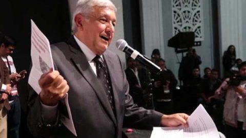 AMLO afirma que el PRI lo quiere 'cepillar' con demanda