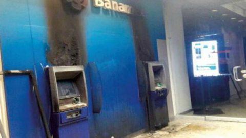 Roban e incendian cajeros en Ecatepec
