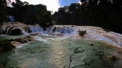 Cauce de cascadas de Agua azul, recuperado al 100%