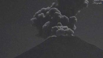 Volcán Popocatépetl emite exhalación de mil 800 metros