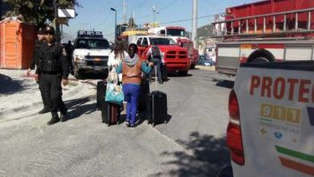Continúa búsqueda de mujer desaparecida en derrumbe de Monterrey