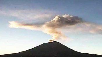 Volcán Popocatépetl emite explosión de dos mil metros de altura
