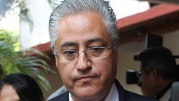 Rector de UAEM es buscado por la PGR en el extranjero
