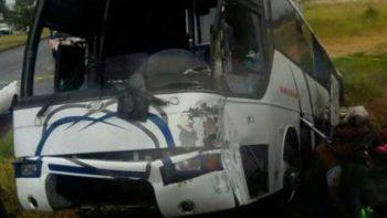 Filial de Rayados sufre accidente; reportan al menos tres muertos
