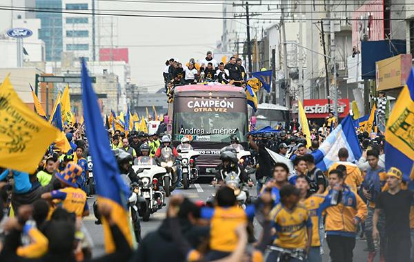 Más de 500 mil aficionados celebran el título con los Tigres