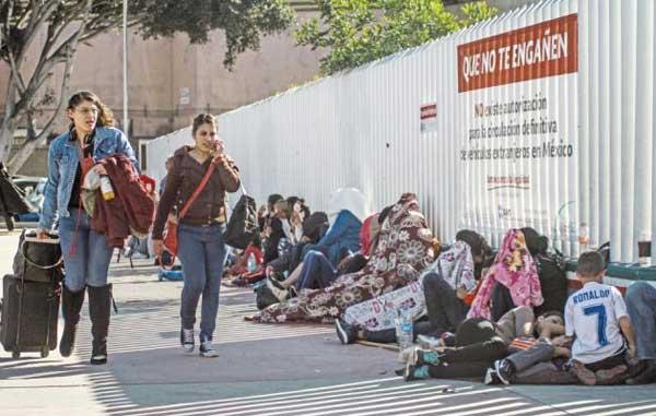 Mexicanos piden asilo a EU por violencia