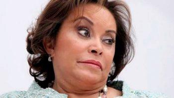 Comunicación restringida y brazalete para Elba Esther