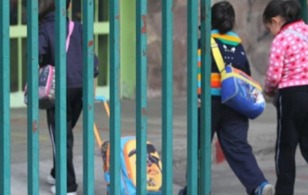 Clases no se suspenden por frío, dice la Secretaría de Educación