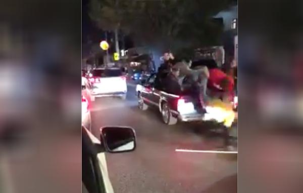 Aficionados Tigres sufren caída durante festejo nocturno