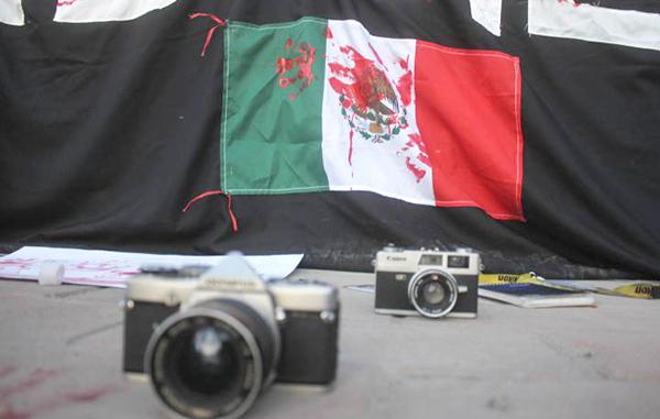 'Violencia contra reporteros amenaza el desarrollo económico'