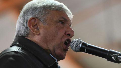 AMLO pide a iglesias orientar a fieles contra la compra del voto